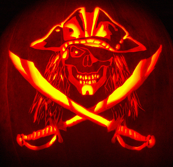 Pumpkin Carving: Pirate Skull w/Swords - Nam