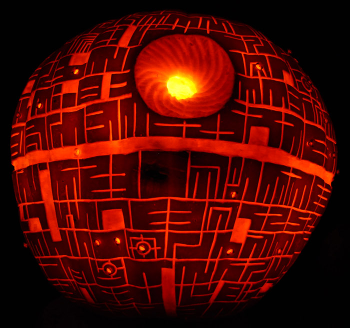 Pumpkin Carving: DeathStar 2011 - Noel